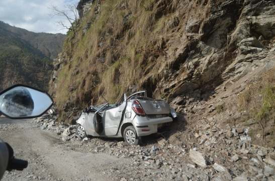 This car was hit by Rock and was abandoned by owner. Life is more than a car. Save yourself.