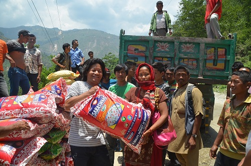 Food supplies to Earthquake Victims. More than 100 places were served with prayer, food and blankets in hard hit places.